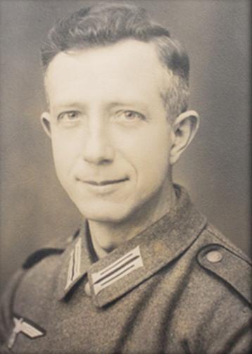 Franz Gotwἂrd Kurt Stolze (Born)